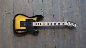 Kononykheen Breed Twenty Two - les guitare unique à tirage limité unique disponible chez Harry Guitars